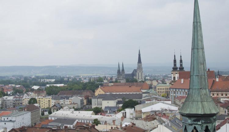 GLOSA: Olomouc v roce 2030? Drogerie, kam oko dohlédne, a pořád stejná plecharéna