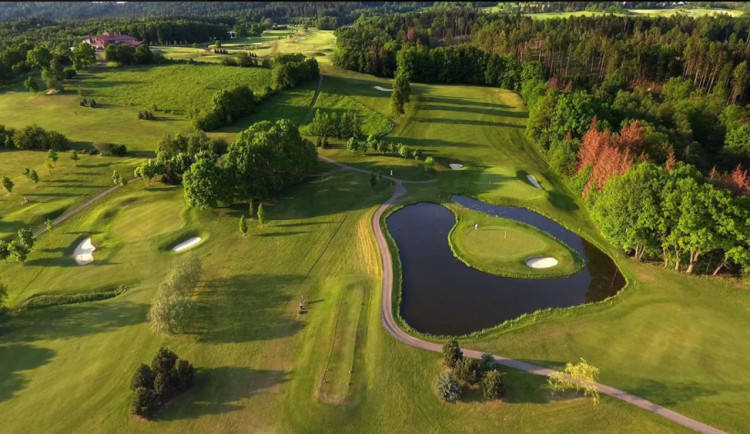 SOUTĚŽ: Vyhrajte celodenní vstup do Golf Resort Olomouc
