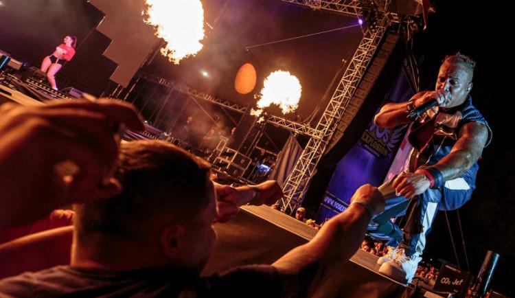 BLESKOVÁ SOUTĚŽ: Vyhrajte triko a vstupenky na 90' s Explosion Open Air festival v Brně