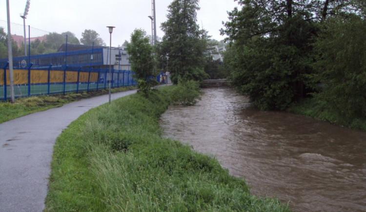 Meteorologové varují před vydatným deštěm, od středy platí povodňová pohotovost