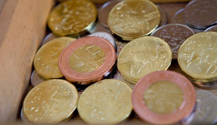 Vandal poškodil mincovníky na veřejných toaletách. Z jednoho si odnesl pět set korun