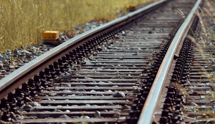 Policisté dnes ráno hledali ženu, která chtěla skočit pod vlak v Mohelnici
