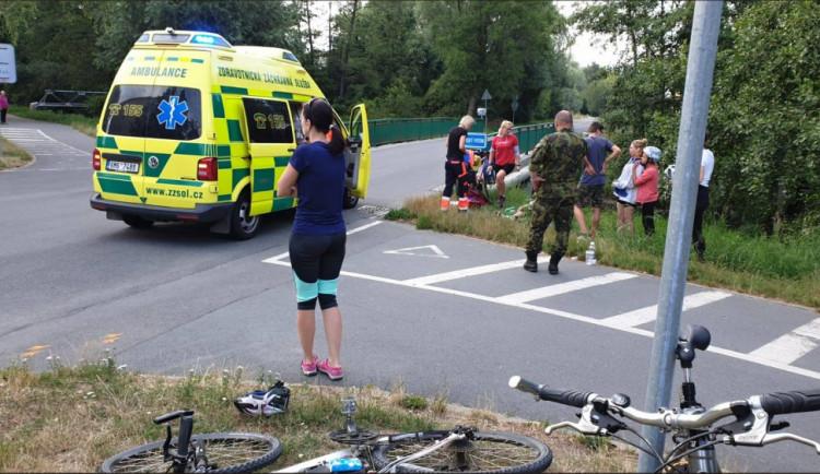 Chlapce srazila řidička v ulici Jarmily Glazarové, když vjel na silnici z cyklostezky