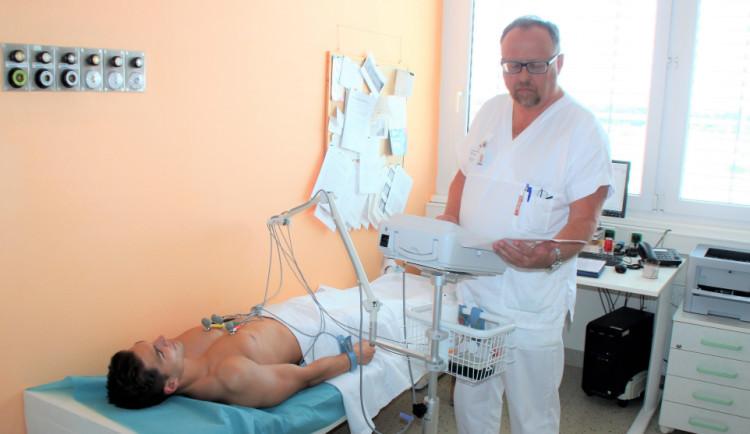 Prostějovská nemocnice vyšetřuje pacienty novými EKG přístroji