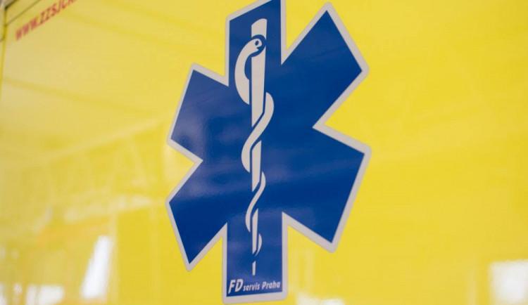 Malý chlapec se těžce zranil při sjezdu na koloběžce z Dlouhých strání