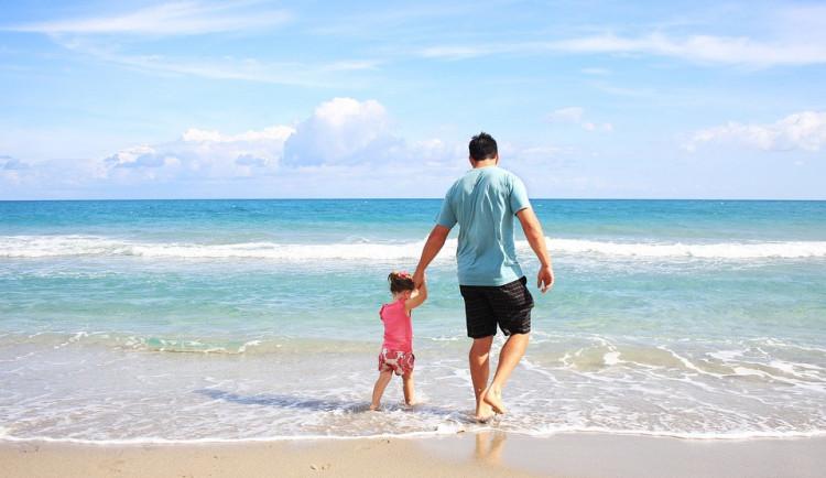 Téměř čtyřicet procent Čechů letos nepojede na žádnou letní dovolenou, ukázal průzkum