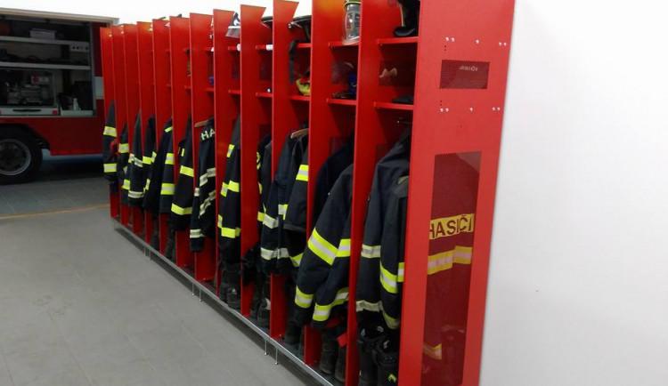 Klub seniorů spustil alarm v hasičské zbrojnici v Chomoutově