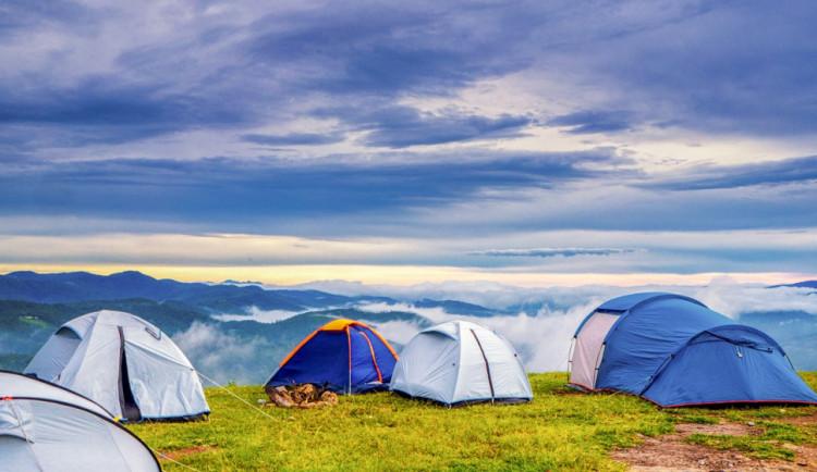 POČASÍ NA SOBOTU: Ráno se mohou tvořit mlhy, přes den bude skoro jasno až oblačno