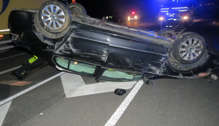 Opilý řidič nezvládl řízení a havaroval. Na místě přišel o řidičák