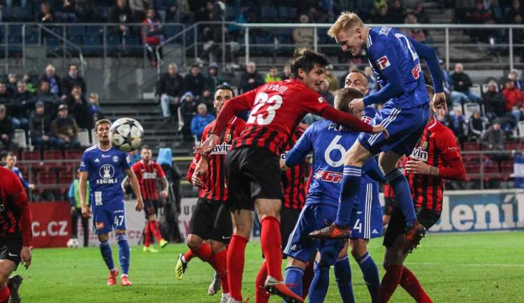 Souboj fotbalistů Olomouce s Opavou otevře dnes deváté ligové kolo