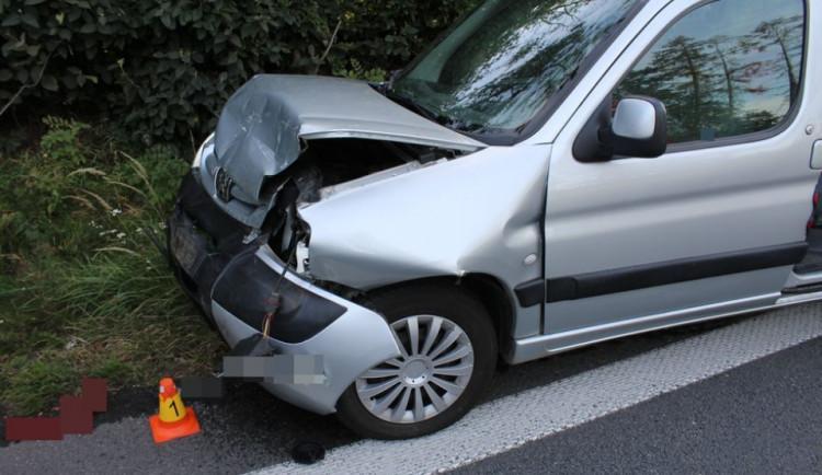 Dvě nehody zablokovaly provoz na dálnici u Olomouce. Řidička jednoho z aut je zraněná