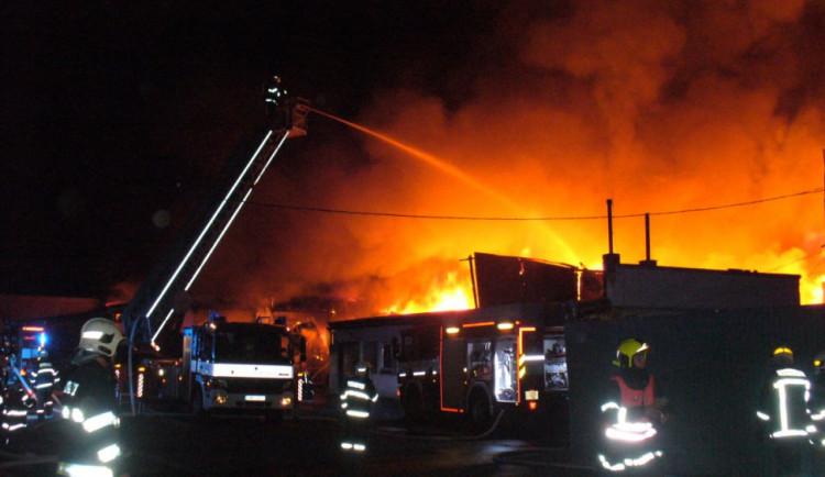 V kauze požáru haly textilu v Olomouci bude dnes u soudu vynesen rozsudek