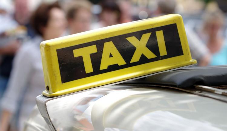 V Šumperku bude taxislužba pro seniory. Za třicet korun je odveze třeba k lékaři nebo na nákup