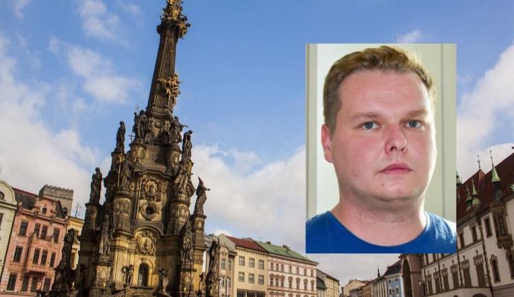 Olomoucký vědec Tomáš Pluháček umí detekovat povýstřelové zplodiny na otiscích. Získal prestižní cenu