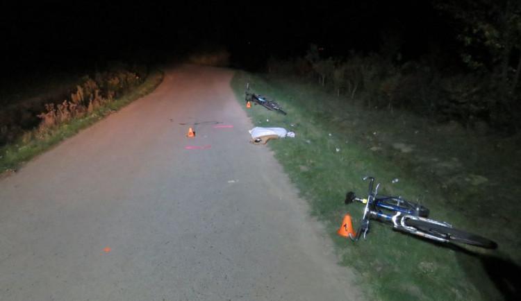 Dva opilí cyklisté se čelně srazili. Jeden skončil v nemocnici