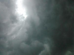 Čtenářská fotogalerie - nedělní bouře vašima očima