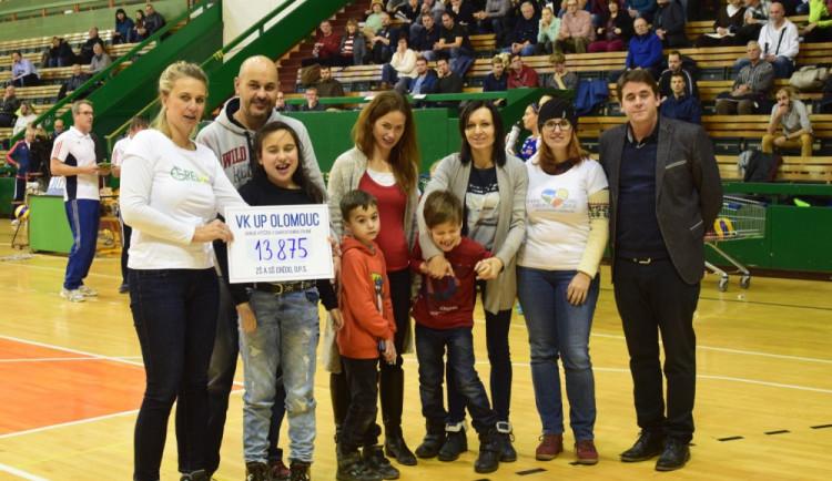 Volejbalistky vyhrály charitativní zápas proti Olympu, na školu CREDO vybralo 13 875 korun