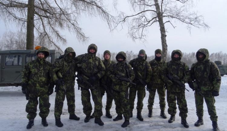 Příslušníci 153. ženijního praporu absolvovali na Libavé tvrdý výcvik v třeskutých mrazech