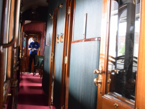 FOTO/VIDEO: Prezidentský vlak je v Olomouci, podívejte se do jeho útrob