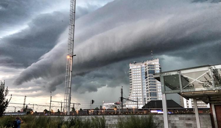 Bouřka vašima očima 2: Podívejte se na fotky, které poslali do redakce čtenáři