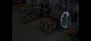 Policie pátrá po ženě, která ukradla muži peněženku a pak platila jeho kartou