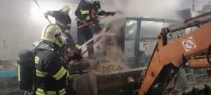 Požár výrobní linky na balíkovou slámu - Brodek u Prostějova 23.2.2018