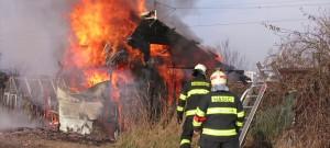 Požár chatky v Olomouci - Nové Sady - se zraněním 3.3.2018