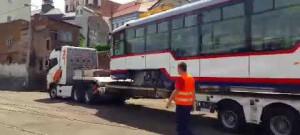 Do Olomouce dorazil nadměrný náklad, přivezl modernizované tramvaje