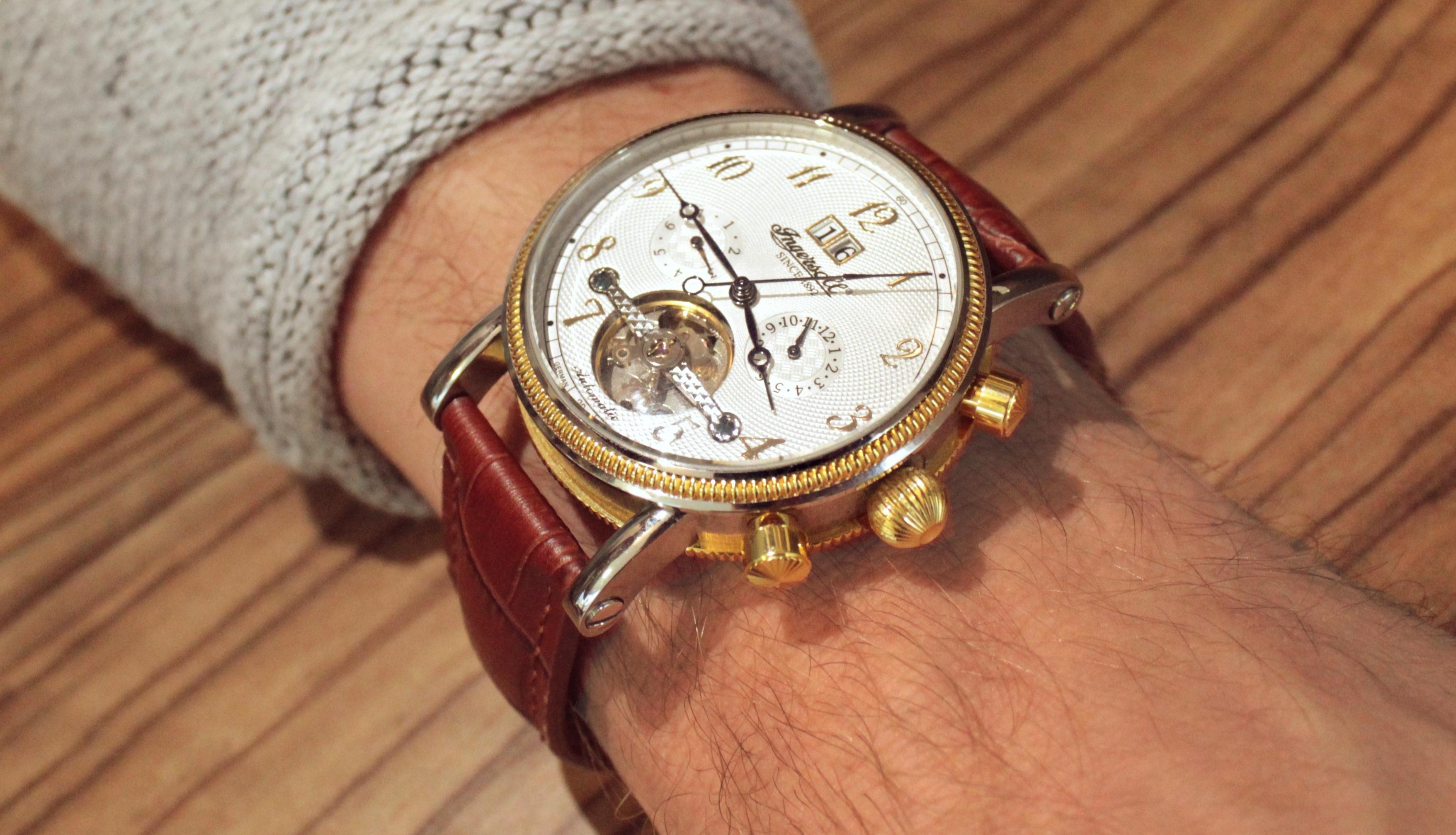 """4b4d4cf18 """"Naprostá spokojenost, telefonické doporučení vybraného tipu hodinek na  základě konzultace pro způsob využívání, odsouhlasení případného postupu  při výměně."""